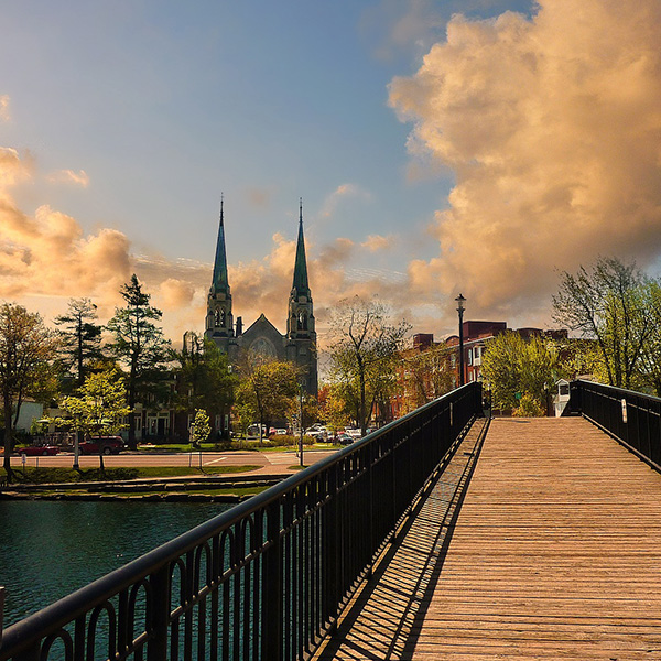 Viajes a la costa este de Canadá en tren con parada en Ottawa