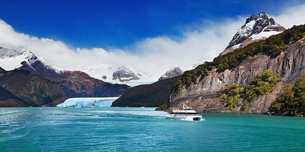 Navegación por el Glaciar Spegazzini en Patagonia Argentina