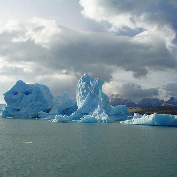 Calafate Argentina iceberg Parque Nacional de los Glaciares