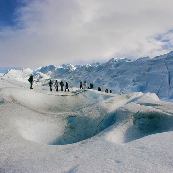 Trekking por el Perito Moreno en viaje de aventura por Argentina