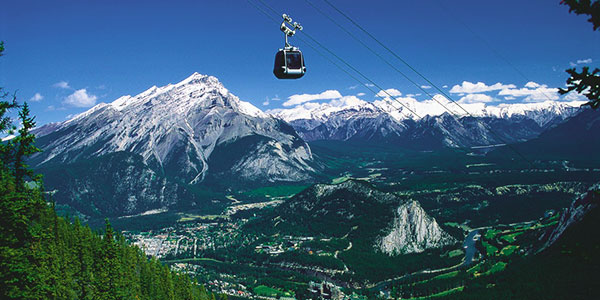 Teleférico a Sulphur Mountain en Banff, Montañas Rocosas canadienses
