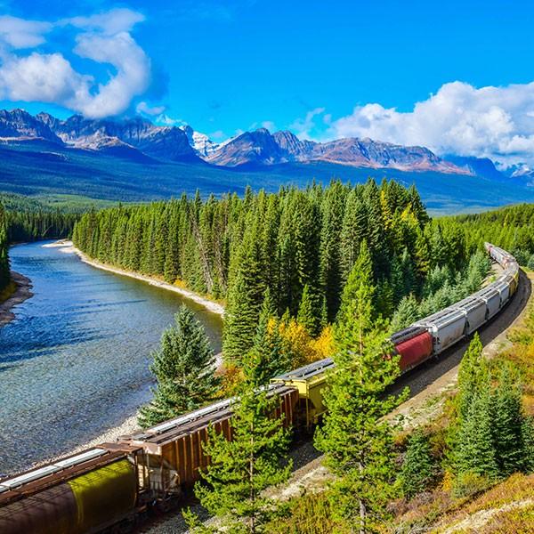 Viaje en tren por las Rocosas canadienses en el Rocky Mountaineer