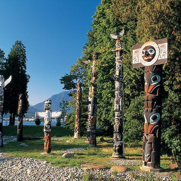 Totems en Stanley Park, Vancouver, Canadá
