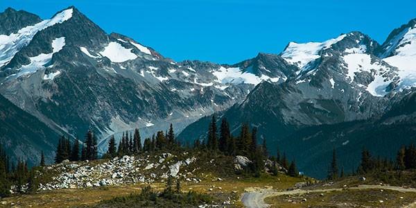 Ruta 4x4 en Blackcomb Mountain en las Montañas Rocosas de Canadá