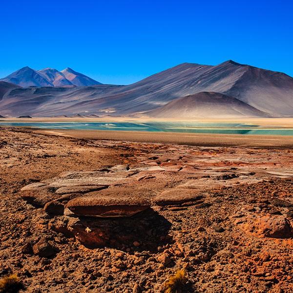 Lagunas altiplánicas en Atacama, chile