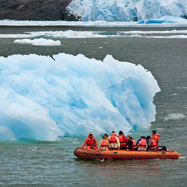 Navegación por Laguna San Rafael, glaciar, Patagonia chilena