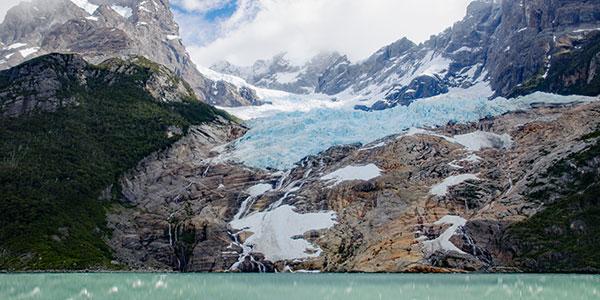 Glaciar Balmaceda en la Patagonia Chilena, excursión de navegación