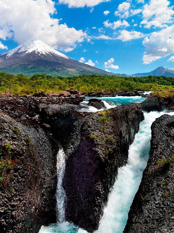 Saltos de Petrohué cerca de Puerto Varas en Chile