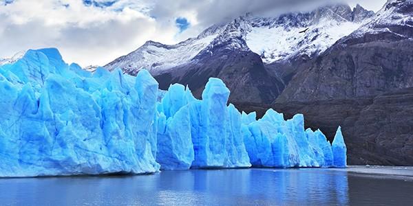 Navegación de glaciares en el crucero por Patagonia y fiordos chilenos