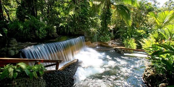Aguas termales de Tabacón, Costa Rica, una experiencia de lujo