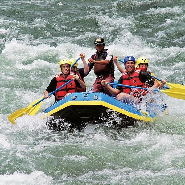 Rafting Río Pacuare en el viaje de aventura a Costa Rica