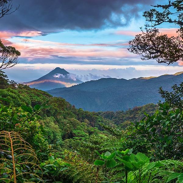 Volcán Arenal visto desde Monteverde, Costa Rica