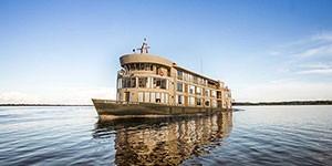 Crucero Delfin III por el Amazonas Perú