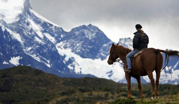 Paseo a caballo hasta el mirador Donosito desde el Explora Patagonia, sur de Chile