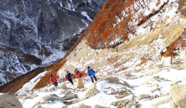 Trekking base de las Torres del Paine, exploraciones en el Hotel Explora Patagonia