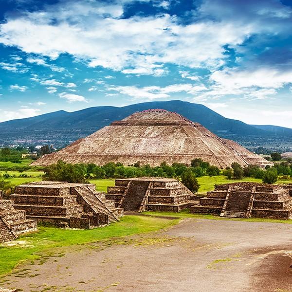 Teotihuacan, pirámide del sol y la luna, México