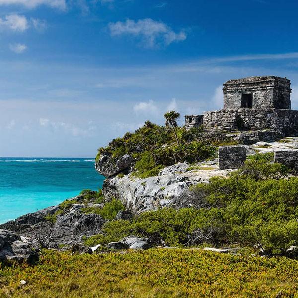 Ciudad-fortaleza de Tulúm, parada en ruta por Yucatán
