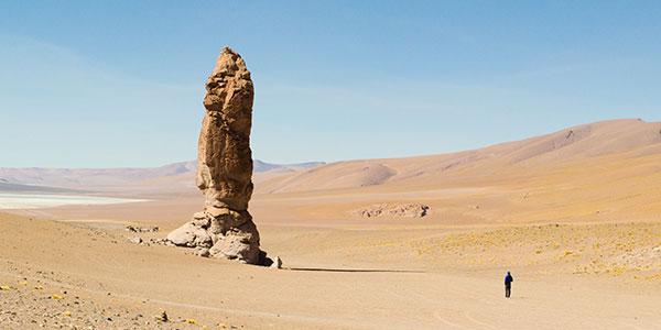 Visita a Monjes de Pacana en Atacama en el viaje al norte de Chile