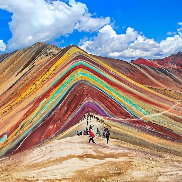 Trekking Montaña de los 7 colores en nuestro viaje de aventura por Perú