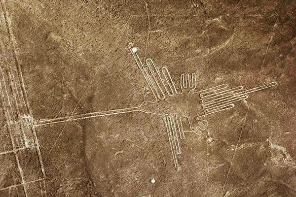Lineas de Nazca en Perú, el colibrí