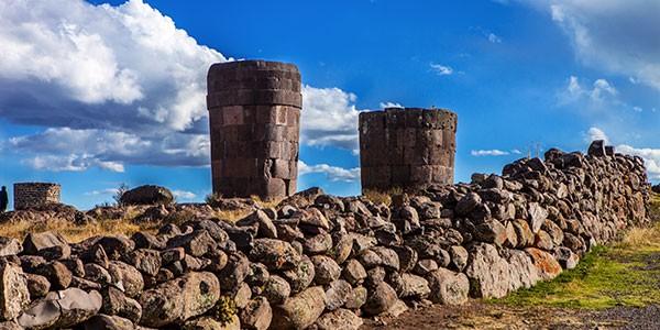 Visita al cementerio preinca de Sillustani en el viaje a Perú