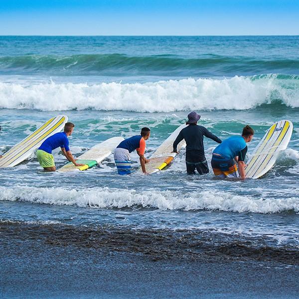 Costa Rica, clases de surf en Tamarindo