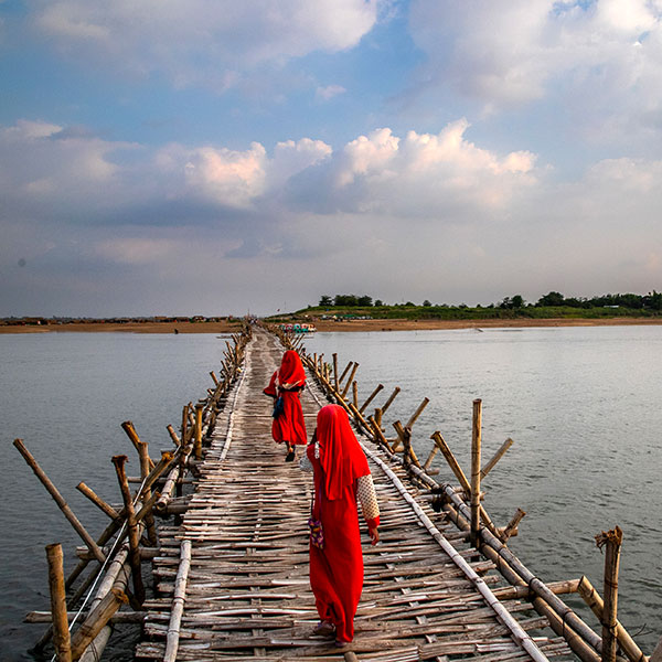 Crucero por el río Mekong, Puente de bambú en Khampong Chnang