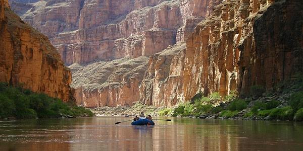 Descenso en barca del Río Colorado