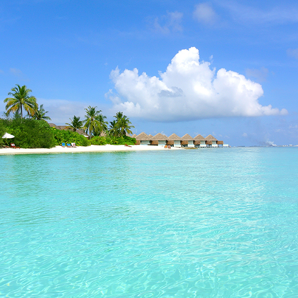 Playa de Maldivas en e viaje combinado con Vietnam