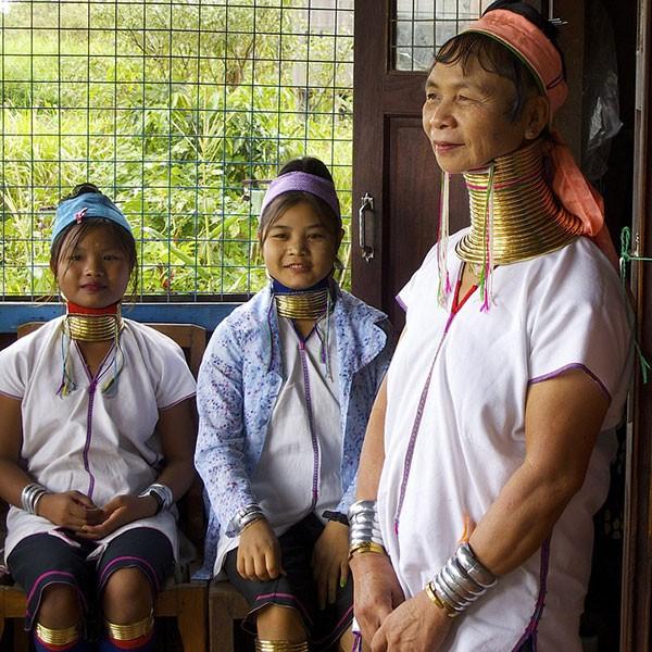 Mujeres jirafa de Myanmar