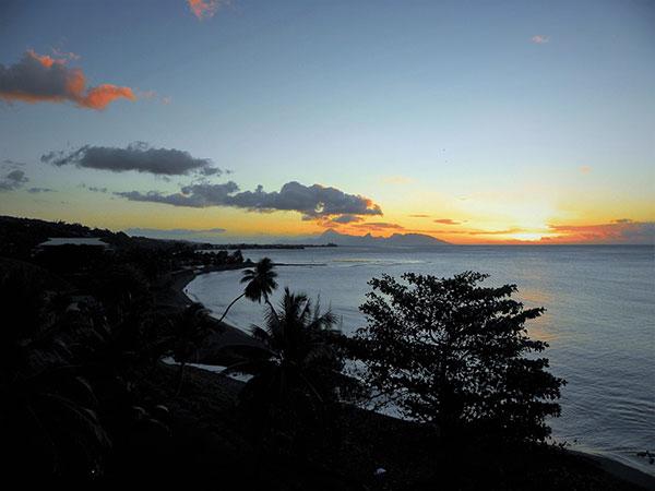 Puesta de sol en Tahití