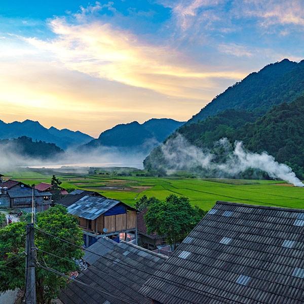 Casas tradicionales en Pac Ngoi, ecoturismo en Vietnam