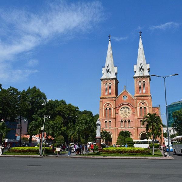 Catedral de Notre Dame en Ho Chi Minh, Vietnam