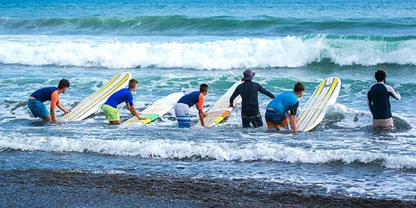 Clases de surf en tu viaje a Hawai