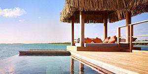 Resort de lujo Four Seasons Bora Bora en el viaje a Polinesia