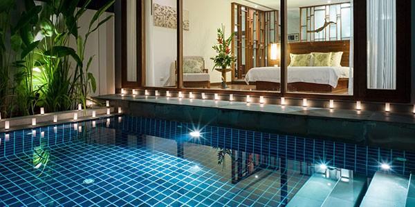 Villa privada con piscina en el hotel The Sarojin para la luna de miel en Tailandia