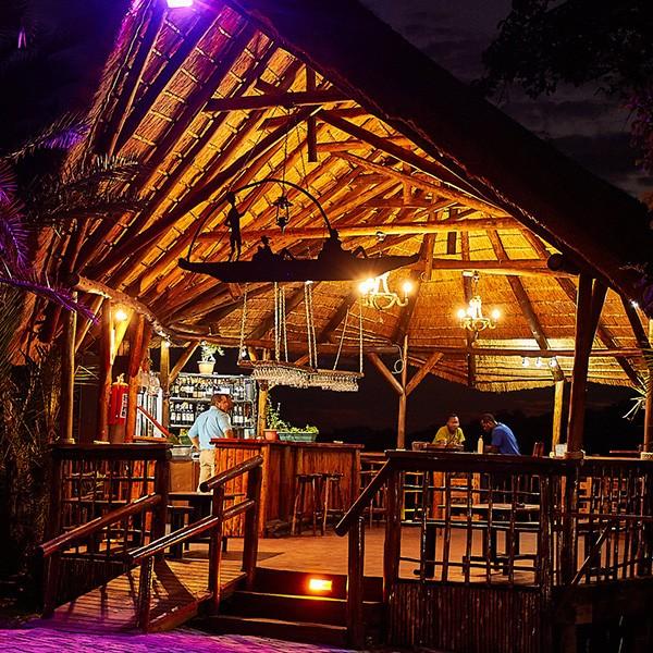Bar del Crocodile Camp en Maun