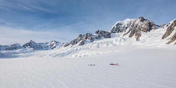 Sobrevuelo y aterrizaje en el glaciar Fox