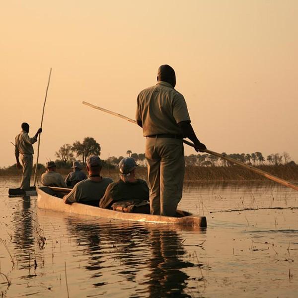 Safari en mokoro en el delta del Okavango