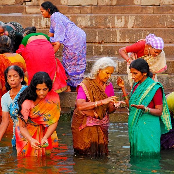 Mujeres en el Ganges