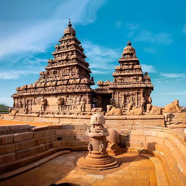 Templo de la Orilla en Mahabalipuram, sur de la India