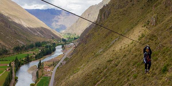 Tirolina sobre Valle Sagrado en Perú