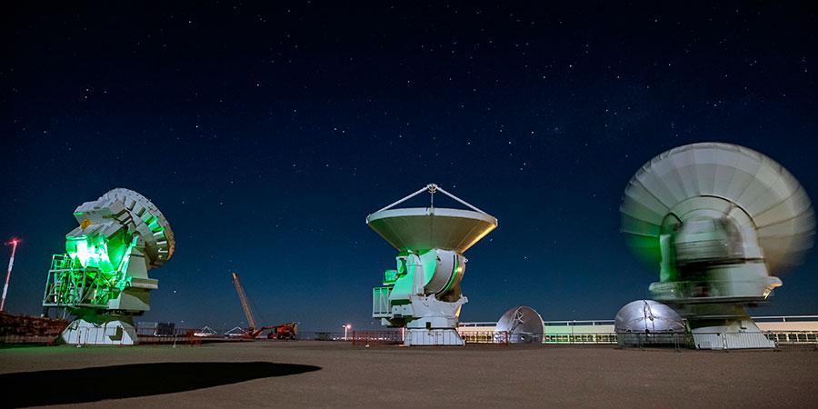 Observatorio astronómico en el desierto de Atacama